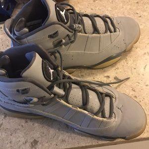 Nike Air Jordan six rings